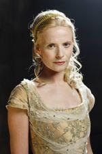 Queen Ygraine Pendragon.jpg