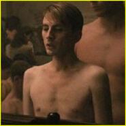 Chris-evans-body-shrinking-112