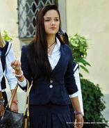 Mia-and-Me-Violetta-school