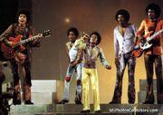 The-Jackson-5-Performing-the-jackson-5-12651416-640-453.jpg