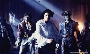 MJ-GHOST-S-michael-jacksons-ghosts-34328906-965-584