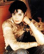 MJ-Childhood-Smile-michael-jackson-23077300-827-1016