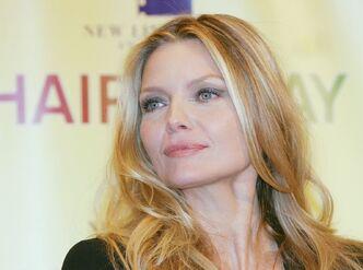 Michelle-Pfeiffer-11
