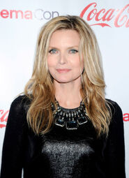 MICHELLE-PFEIFFER-at-Big-Screen-Achievement-Awards-ceremony-at-CinemaCon-2012-in-Las-Vegas-5