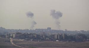 Smoke above Halayeb 2013.png