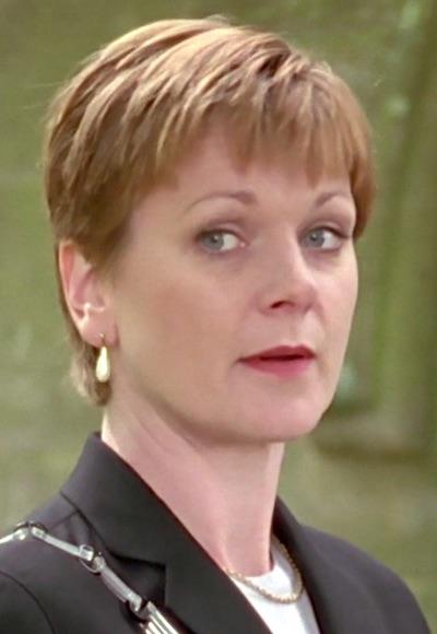 Suzanna Chambers