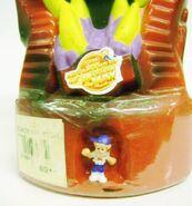 MM-BubbleBathBottle-zoom figurine