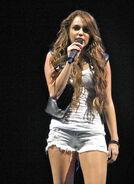 Miley Cyrus - Wonder World Tour 5