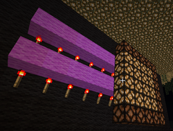 Redstone-lamp-wall.png