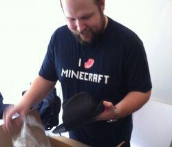 Markus Persson (chapeau).jpg