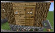 Gancho de cuerda al lado de una puerta