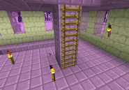 Pilar púrpura generado con escaleras de mano