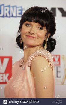 Essie-davis-at-the-logie-awards-melbourne-april-27-2014-DYYB1K.jpg