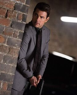Mission Impossible Fallout Ethan Suit 56061 zoom.jpg