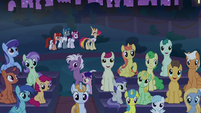 Ponies gather for the Summer Sun Celebration S9E17