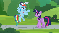 """Rainbow """"some ponies only want to cheer"""" S9E15"""