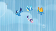 S01E16 Wonderbolts i Rarity spadają