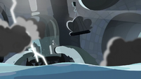 Water coming out of the container S5E5