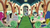 All Aboard -Next stop, Crystal Empire!- S5E11