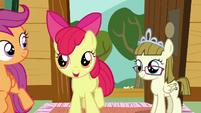 Apple Bloom encouraging Sweetie Belle S7E6