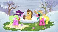 Cherry Berry, Daisy, and Caramel on a grassy spot S5E5