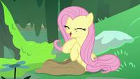 Fluttershy giggles over her impromptu rhyme S7E20