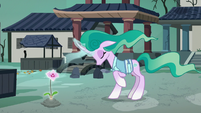 Mistmane releases her magic into the flower S7E16