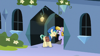 Sapphire Joy tips Mail Pony with a carrot S8E8