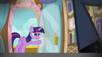 Twilight enters the cruise director's cabin S7E22
