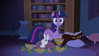 Twilight hearing noises S04E03