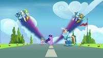 Wonderbolts create Twilight-colored streaks S9E26