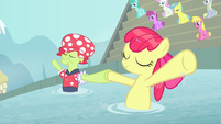 Granny and Apple Bloom hold hooves S4E20