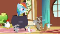 Rainbow Dash and cannibalistic animals S03E13