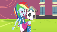 Rainbow Dash playing soccer EG