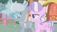 S01E12 Silver Spoon i Diamond Tiara