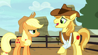 Applejack mad at Braeburn S5E6