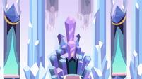 Closeup of throne S3E2