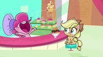 "Pinkie Pie ""find a new identity!"" PLS1E3a"