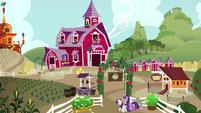 Twilight, Rarity, and Spike enter Sweet Apple Acres S6E10