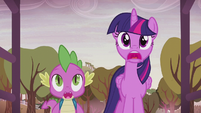 Twilight and Spike stunned by the farm's new look S5E25