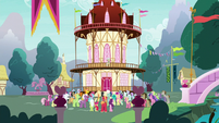 Earth ponies gathered outside Town Hall S9E25