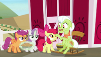 "Granny Smith ""then Discord showed up"" S9E23"