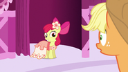 S05E07 Apple Bloom gotowa na galę