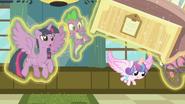 S07E03 Flurry zagląda pod łóżko