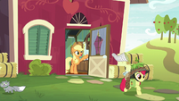 Apple Bloom leaves to go hunting S9E10