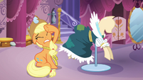Applejack under some distress S03E13