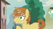 Feather Bangs scared to talk to ponies S7E8