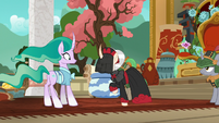 Sable Spirit angrily confronting Mistmane S7E16