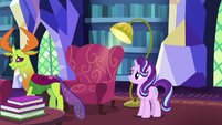 Thorax goes to find the castle dining room S7E15