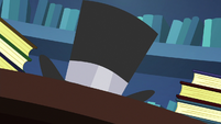 Twilight turns inkwell into a top hat S6E21